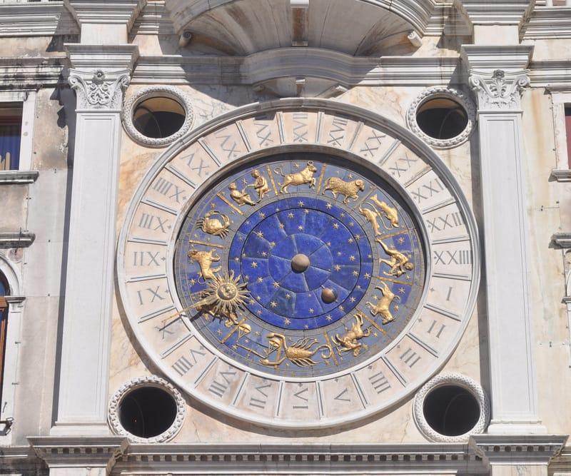 Aziz Mark'ın Saat Kulesi