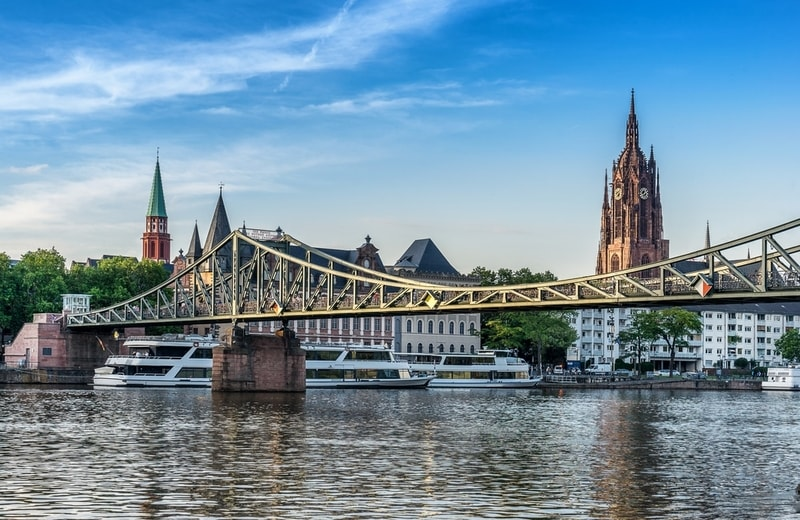 Eiserner Steg Köprüsü - Frankfurt ta Gezilecek Yerler