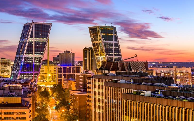 KIO Kuleleri - Madrid Gezilecek Yerler Blog