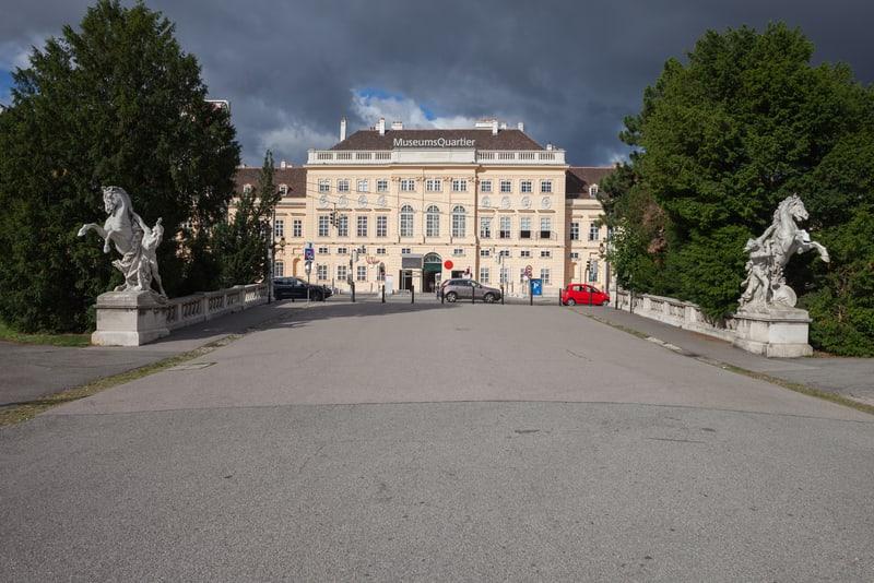 Museumsquartier - Viyana'da Gidilmesi Gereken Yerler