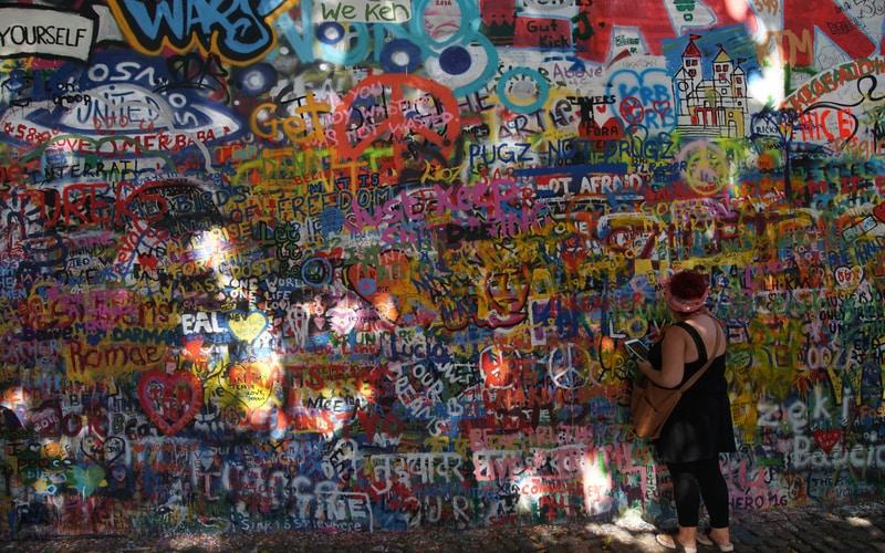 Lennon Duvarı - Prag Gezilecek Yerler Blog