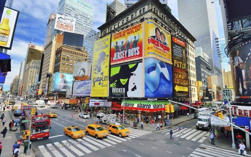 Broadway ve Theater District