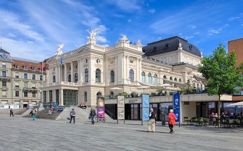 Zürih Opera Binası