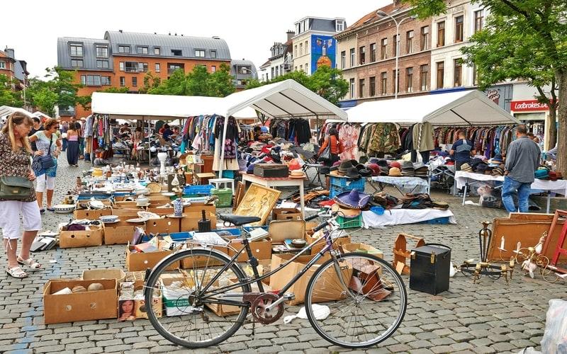 Marolles Flea Market (Bit Pazarı)