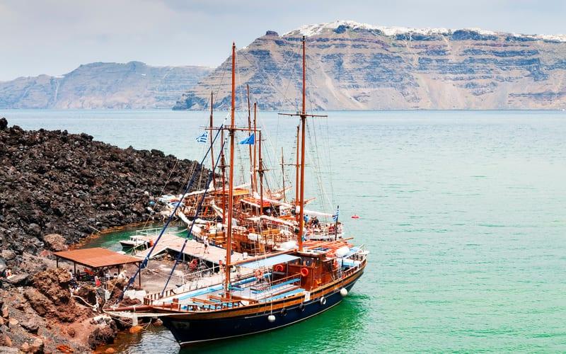 Santorini Çevresinde Tekne Turu Yapın