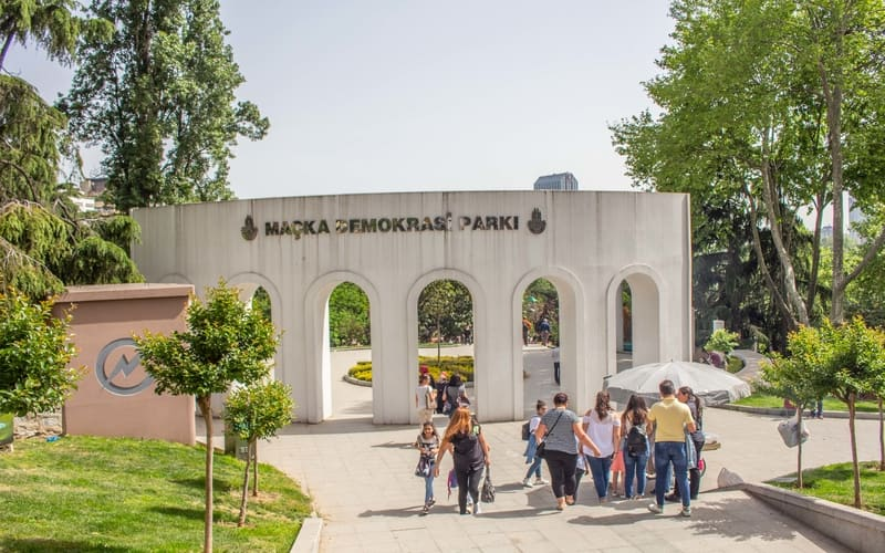 Maçka Demokrasi Parkı - Beşiktaş Gezilecek Yerler