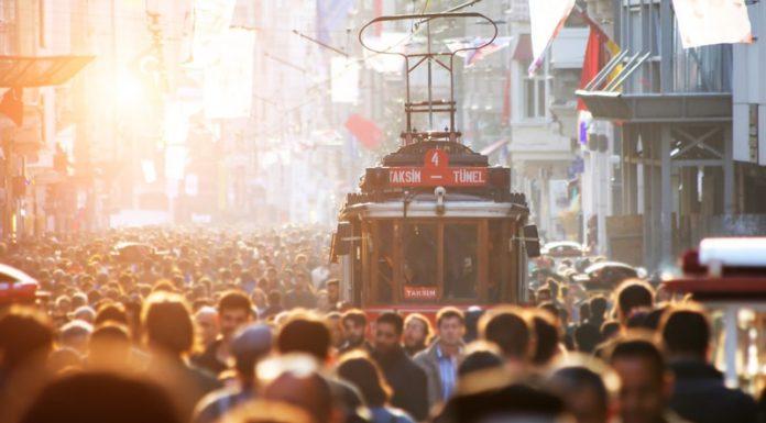 İstiklal Caddesi Hakkında Bilgi- Gezilecek Yerler - Tarihi