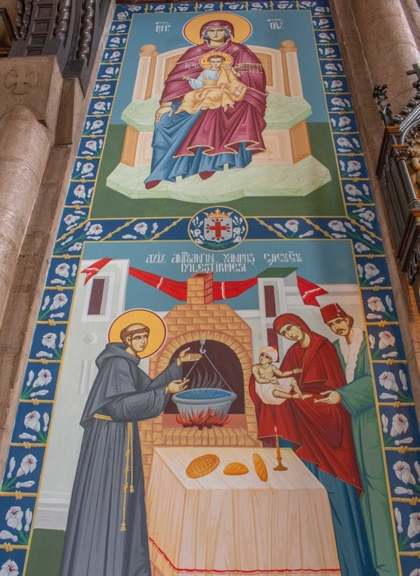 Kilisedeki Eserler