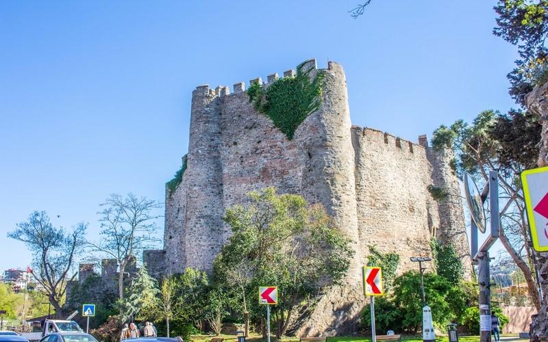 Anadolu Hisarı Mimari Özellikleri