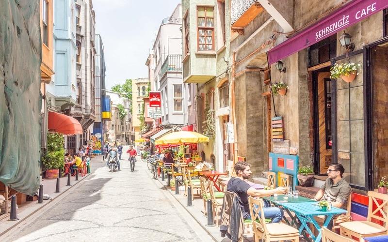 Balat'ın En Güzel Cafeleri - Balat Gezilecek Yerler