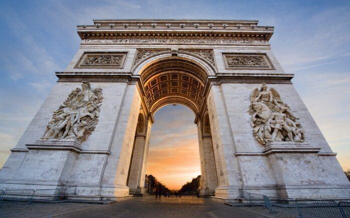Zafer Takı Paris