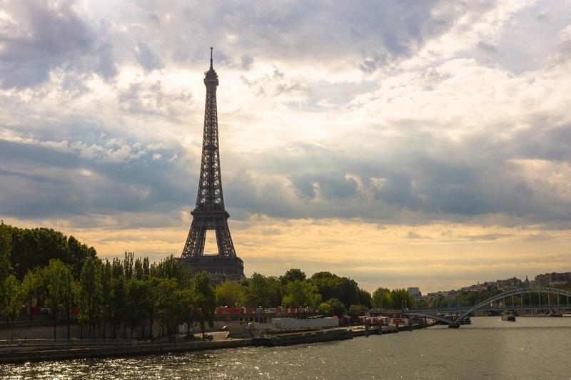 Eyfel Kulesi Paris