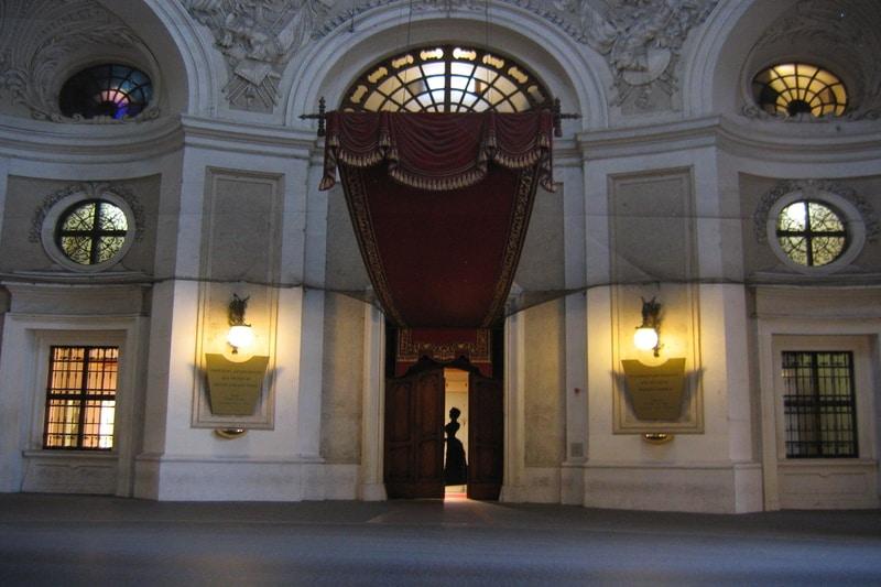 Hofburg Sarayı Tarihçesi