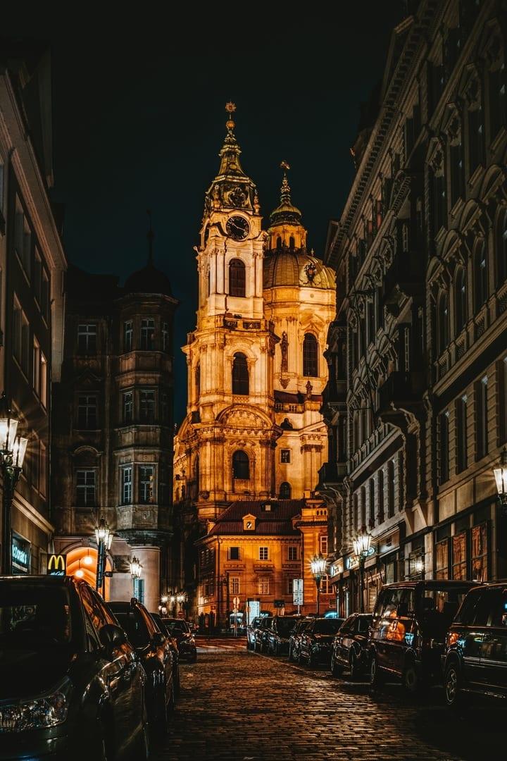 Prag Kalesi Özellikleri