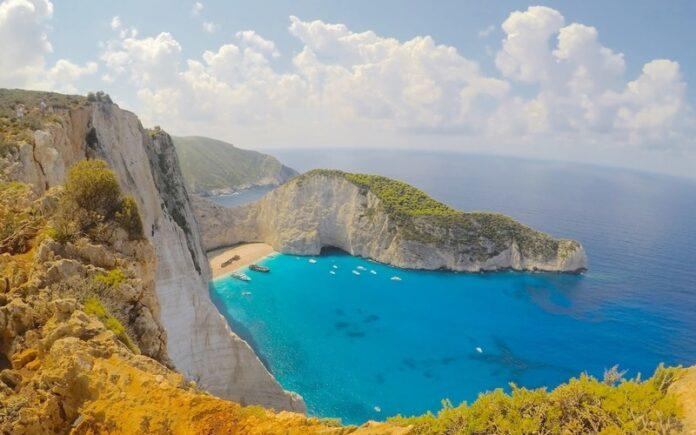 Zakynthos Adası Gezilecek Yerler