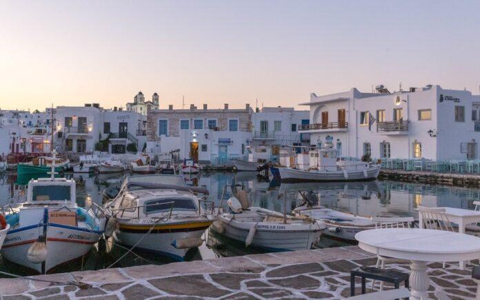 Paros Adası Gezilecek Yerler Blog