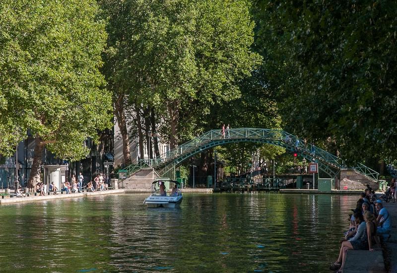 Paris ucuz nerede kalınır