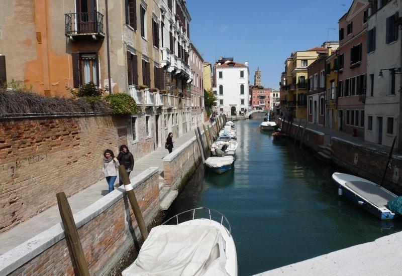 Venedikte nerede kalınır