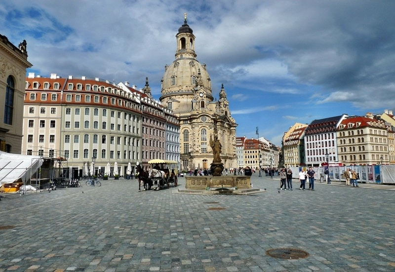 Dresdende nerede kalınır